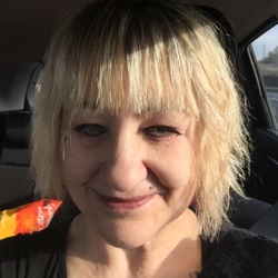 Spyda is looking for singles for a date