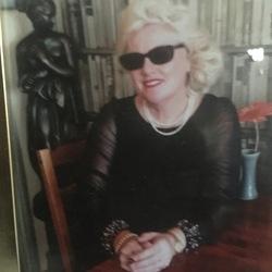 Caroline (58)