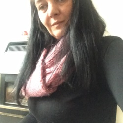 Tracey is looking for singles for a date