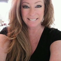 Marion is looking for singles for a date