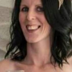 Suzanne (38)