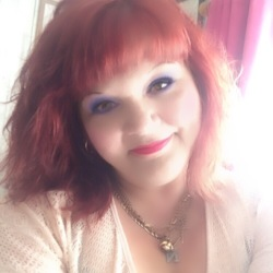 Nicole is looking for singles for a date