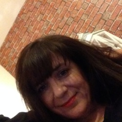 Caren is looking for singles for a date