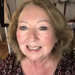 Teresa is looking for singles for a date