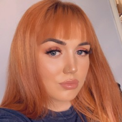 Chantelle is looking for singles for a date