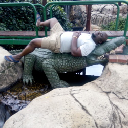 Tshwarelo is looking for singles for a date