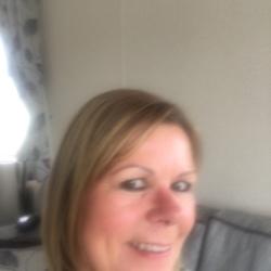Pauline (58)
