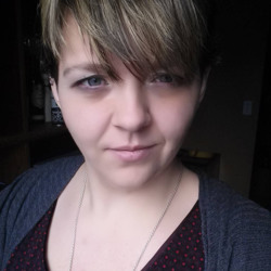Sibylle is looking for singles for a date