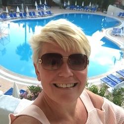Pamela (50)