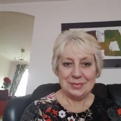 Lesley (68)