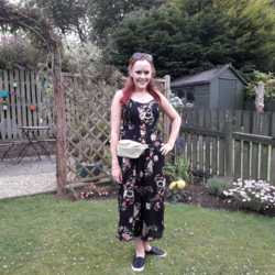 Carleen is looking for singles for a date