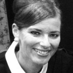 Sarah (52)