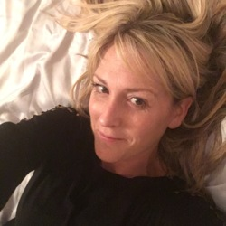 Majella is looking for singles for a date