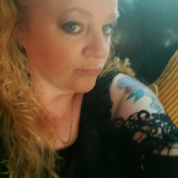 Tish is looking for singles for a date