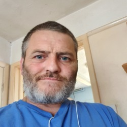 Karl is looking for singles for a date