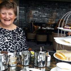 Dilys is looking for singles for a date