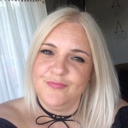 Angie (38)