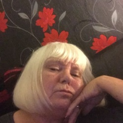 Bernadette is looking for singles for a date