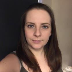 Simone (30)