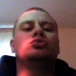 Angel-James is looking for singles for a date