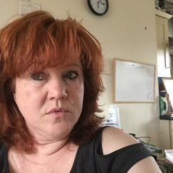 Rachel is looking for singles for a date